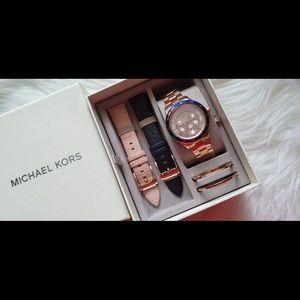 Michael Kors Ladies Watch-Rose Gold